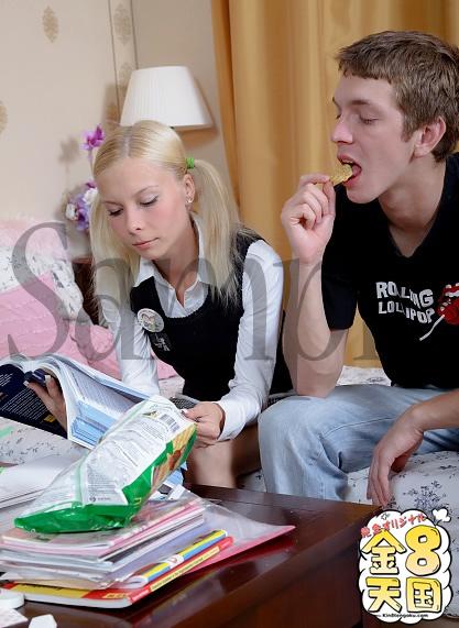 学生ティーンのアナル教室/まだ完成していない幼体に巨チンをアナルにぶちこむ!